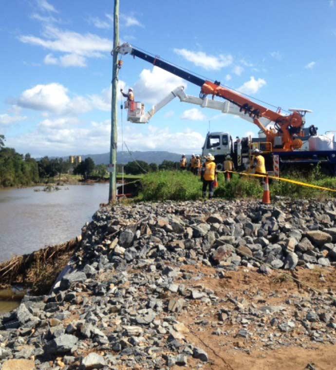 Crews working John Muntz Causeway (3)