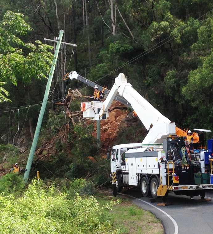 Crews working on fallen powerlines Beechmont Road, Beechmont (3)